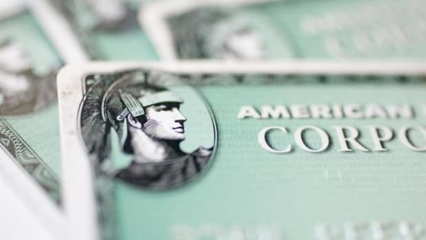 American Express Shares Fall on Nomura Ratings Cut