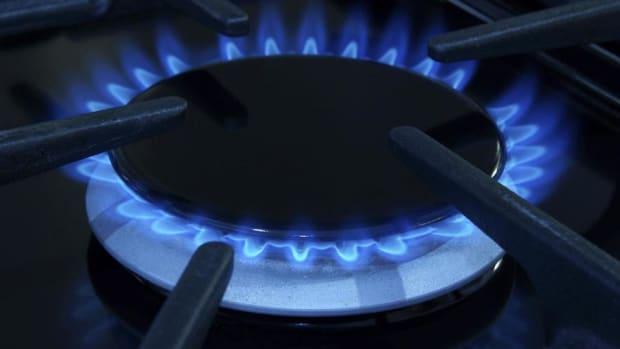 4 Gas and Utility Plays to Power Your Portfolio