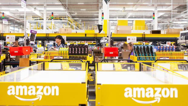 Is Amazon Looking to Get Into the Car Sales Business?