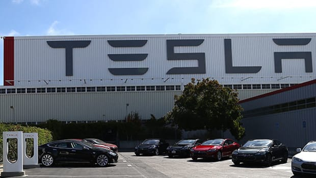 Tesla's Massive Gigafactory Is Too Small; Elon Musk Needs to Dream Up Something Even Bigger