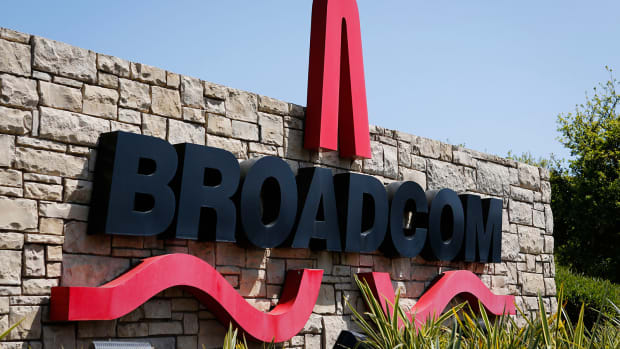 Broadcom Shares Pop on Strong 2Q Results: What Wall Street's Saying