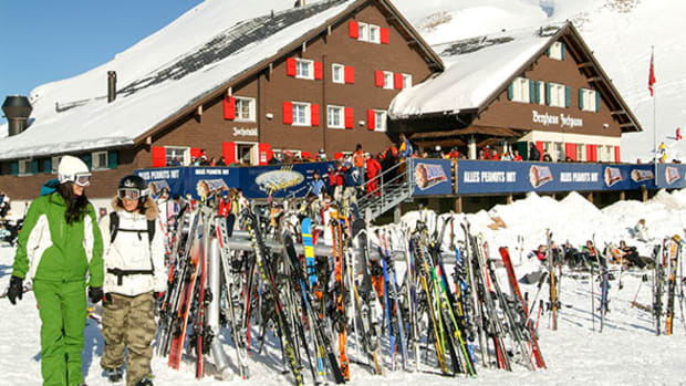 Will Vail Resorts (MTN) Stock Rise as MKM Partners Boosts Price Target?