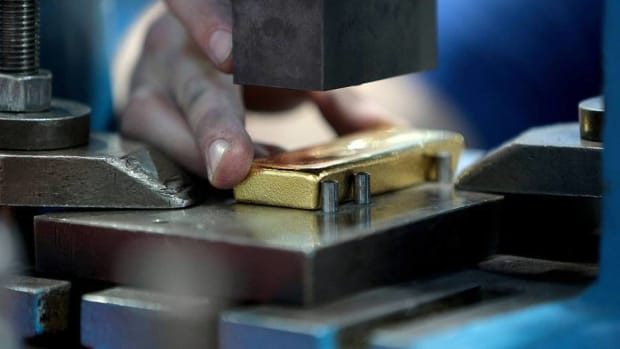 Gold Will Go Higher Once Faltering Economy Pushes Fed to Act