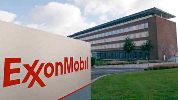 Exxon, Cimarex, Kinder Morgan Are Top Oil Stocks to Own