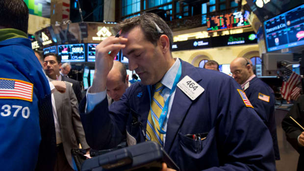 Stocks End Q1 on a Sour Note, Dow Industrials Drop 200 Points