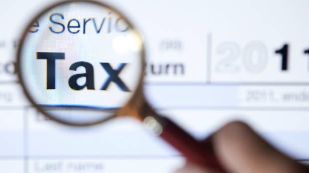 Tax Season Identity Theft Features Preposterous Impostors
