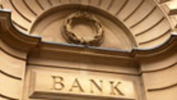 Buy Huntington Bancshares Ahead of Fourth-Quarter Earnings Report