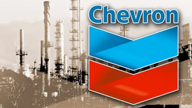 Chevron Leads Blue Chips Lower as Crude Steals Focus From Earnings