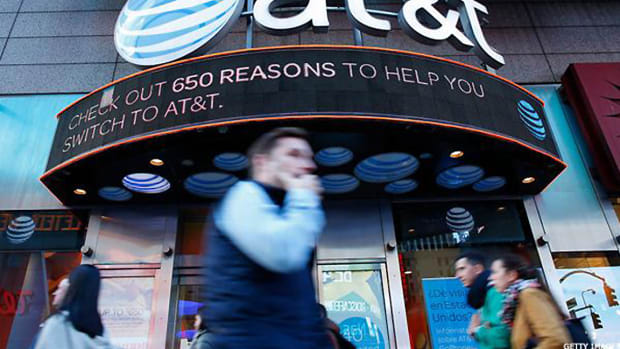 AT&T Hires Former Trump Lawyer to Defend Itself in Possible DOJ Lawsuit