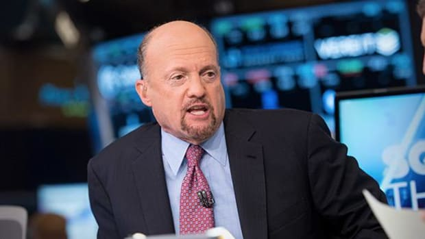 Jim Cramer Has Faith GE's Immelt Can Cut Costs