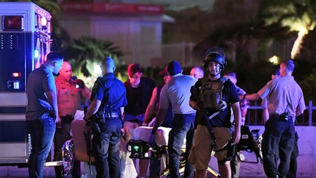 Las Vegas Strip Shooting Massacre Unsettles Hotel, Restaurant Stocks