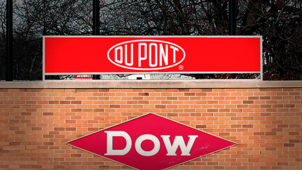 DowDuPont, Apache, Pfizer, Anthem: 'Mad Money' Lightning Round