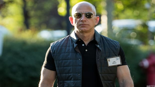 5 Times Jeff Bezos Looked Like the Ultimate Badass