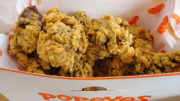 Popeyes Ad With Football Legend Jerry Rice Being Fried on Social Media for Racial Overtones