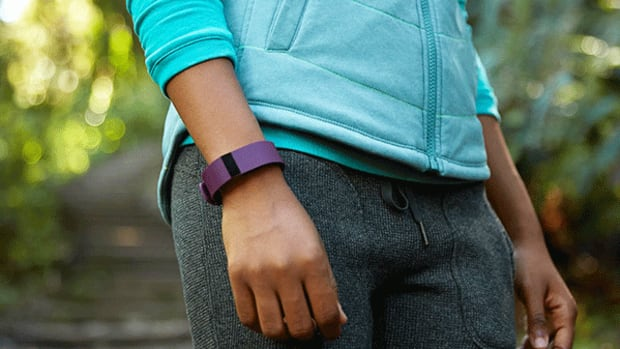 Apple Hasn't Sent Fitbit Into the Grave Just Yet, Mostly Due to 3 Reasons