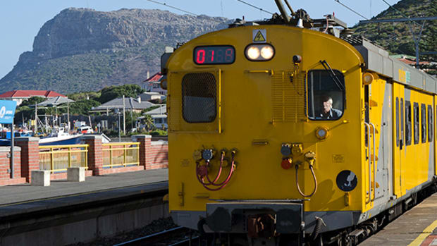 Train Crash in South Africa Kills at Least One, Injures More Than 100
