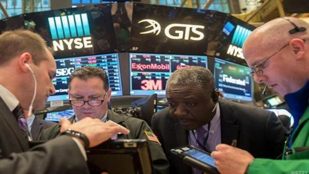 Midday Report: Stocks Move Lower as Wall Street Can't Shake Geopolitical Concerns