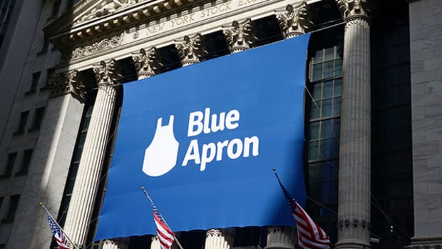 Blue Apron, at Ground Zero in Fight Over Votes, Debuts at $10 Per Share