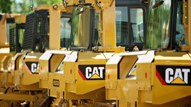 Weak Dollar Will Be an 'Interesting Story' For Caterpillar, Jim Cramer Says
