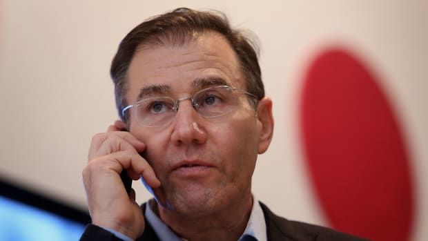 Glencore Cuts Output Guidance, Lifts Forecast Earnings From Trading