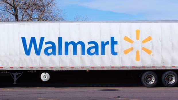 Amazon-Walmart Horse Race; Washington Chaos -- Jim Cramer's Top Thoughts