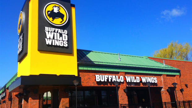 Buffalo Wild Wings Bottom Line Gets Fat on Boneless Wings