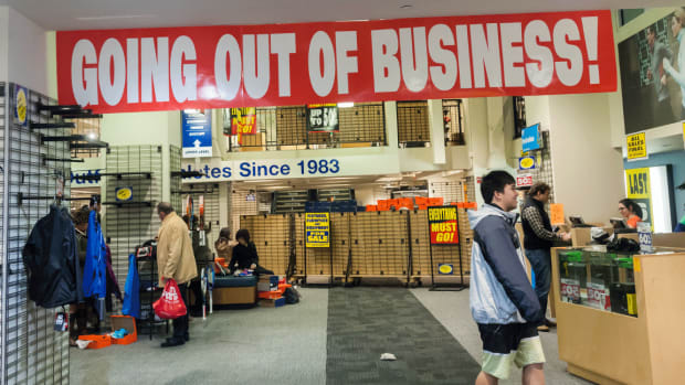 Big Banks Limiting Exposure to Lethal Retail Sector: Fitch Ratings