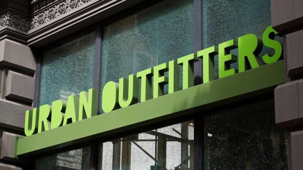 Jim Cramer: Urban Outfitters Threw in the Towel