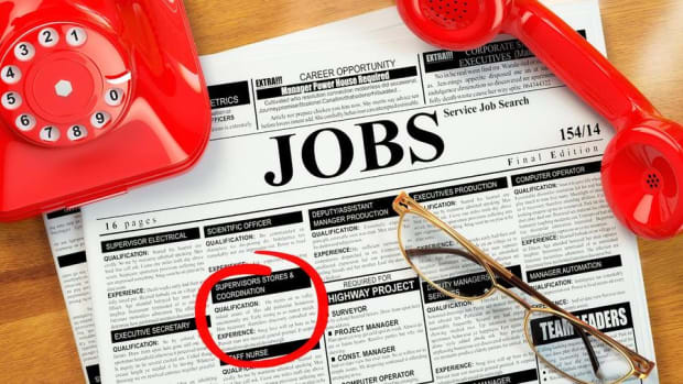 Midday Report: Job Openings at Records in April; U.S. Stocks Fall in Wait for Busy Thursday
