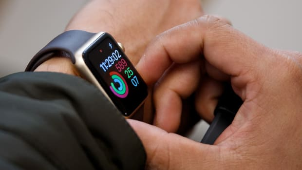 IDC: Basic Wearables Shipments Decline, Overtaken by Smartwatches