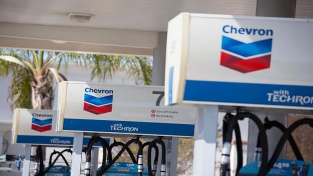 Chevron Shares Stung by Fourth-Quarter Revenue Miss