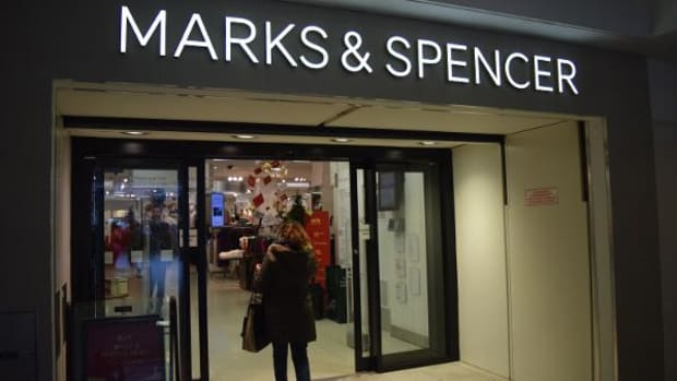 Marks & Spencer Tops Full-Year Profits Estimate, Cautions on 'Uncertain' 2017 Outlook