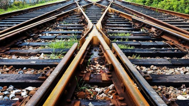 Cramer on Valuing Railroad Stocks CSX, Union Pacific, Norfolk Southern and Others