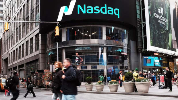 Stocks Build on Early Gains in Midday Trading, Nasdaq Moves Further into Record Territory