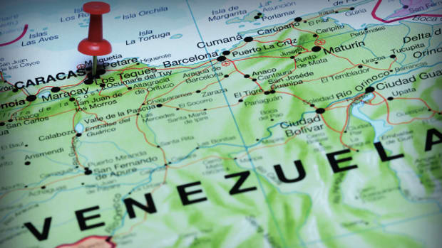 Concerns of Venezuela's Default Rise as Debt Comes Due