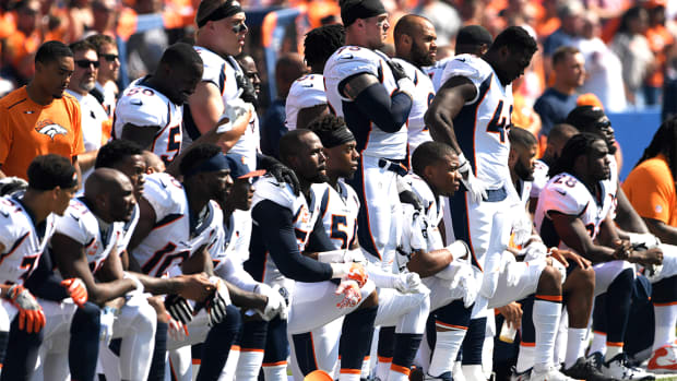 NFL Owners to Discuss Rule Mandating Players Stand for Anthem