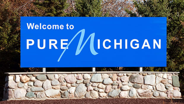 Michigan Governor Snyder, Foxconn Meet to Discuss Possible Michigan Plant