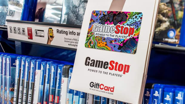 Midday Report: GameStop Beats on Nintendo Switch; U.S. Stocks Fluctuate