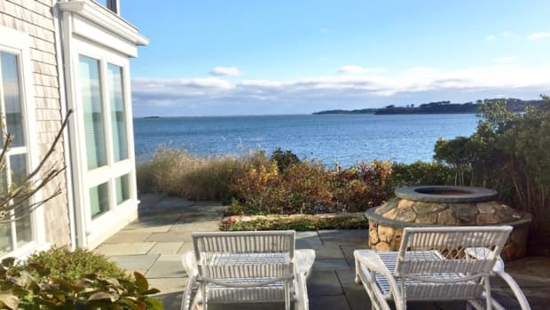 Want A New England Luxury Vacation For Less? Go In the Fall