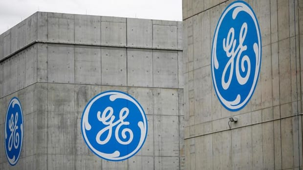 GE Weighs on Dow, Nasdaq and S&P Lower