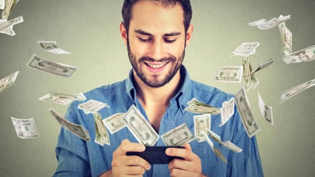 The Holidays Are Expensive! So Here Are 8 Fast And Easy Ways To Make Extra Money