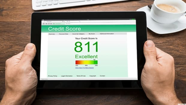 Your Advanced Degree Matters to Your Credit Score