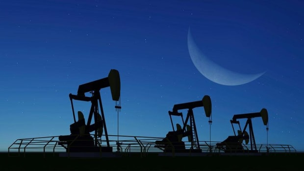 Closing Bell: Crude Oil Slumps For Fifth Straight Day; U.S. Stocks Decline