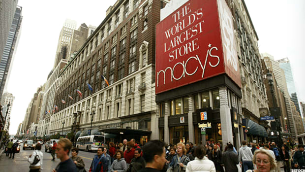 Macy's Shares Are Getting Mauled -- Here's What Could Happen Next
