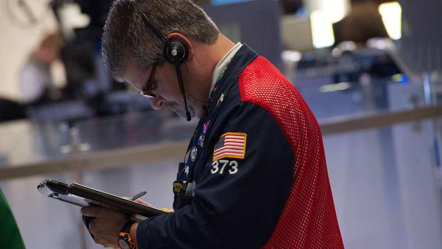 Stock Futures Retreat as Wall Street Awaits Fed Minutes