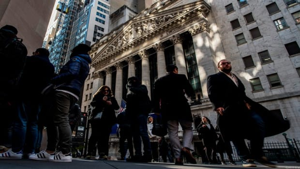 Midday Bell: U.S. Equities Trade Higher