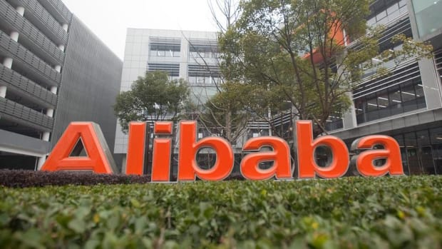 Alibaba Challenges Apple Pay and WeChat Pay