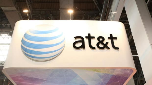 Peter Schiff on AT&T-Time Warner: Let Companies Merge