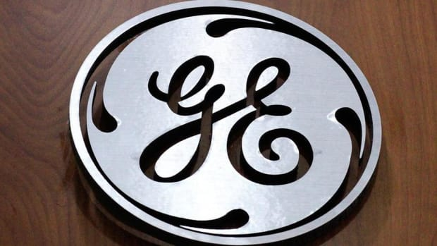GE Puts a Stop to Dow String of Records, Rest of Wall Street Falls