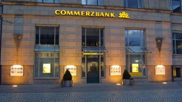 Commerzbank Tops German DAX on Report of Merger Interest From Italy's UniCredit